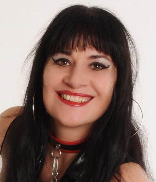 Pornostar Angis Gesicht